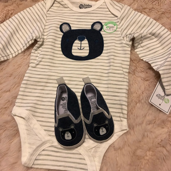 Baby Gear Other - Onesie and matching shoes
